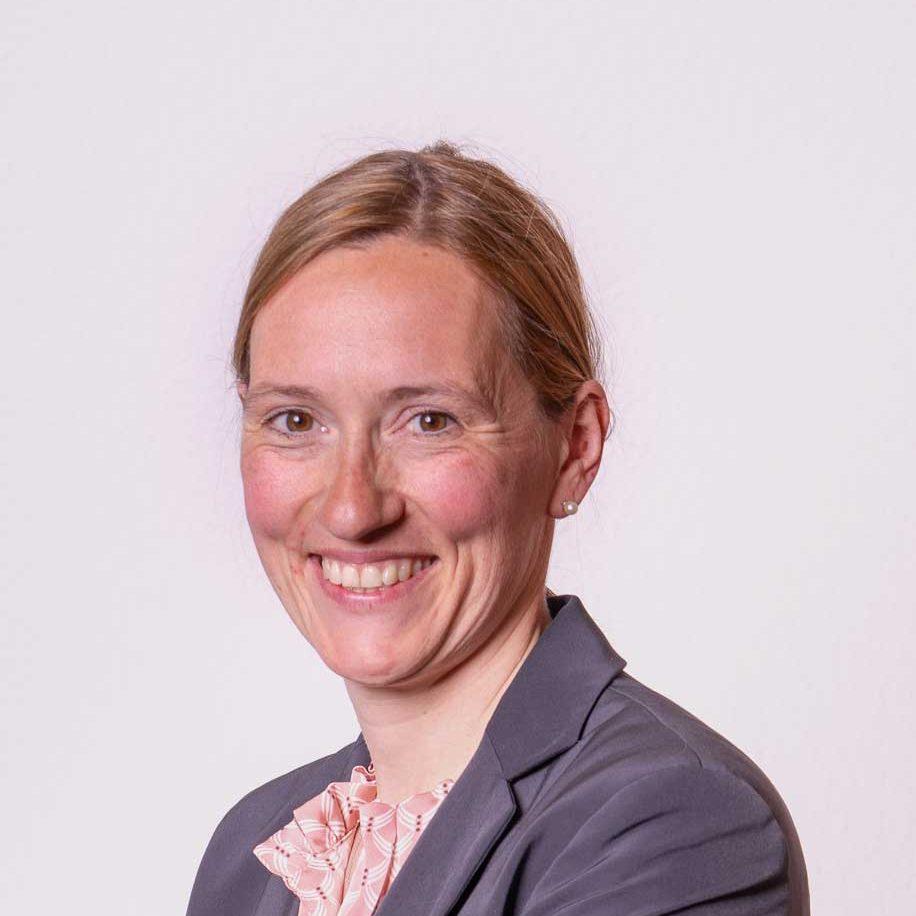 Rechtsanwältin Stefanie Dous